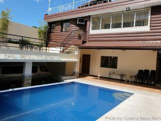 Tagaytay House for Rent with Swimming Pool