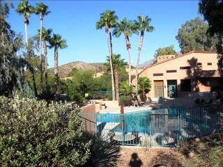 Resort Sytle Condo with mountain views, Tucson