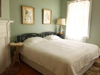 RM201 Private Room in Historic House, Philadelphia