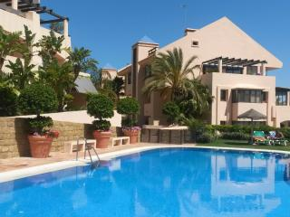 'Las Cascadas' a faboulous 2 Bed, 2 Bath Apartment, Sitio de Calahonda
