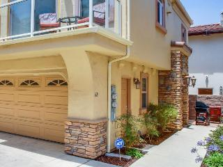 One-block to the beach, w/ ocean views! Near downtown!, Pismo Beach