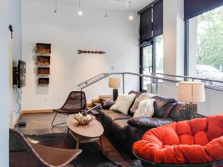 Urban loft condo in West Seattle with rooftop terrace!