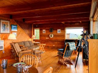 Gorgeous mountaintop water views with a private hot tub!, Port Angeles