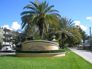 Quiet, Cozy and Close to ALL Miami has to Offer!!!, North Miami