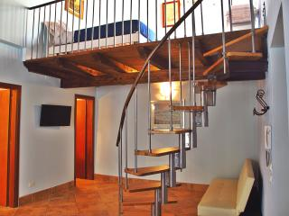 Little Italy - lovely apartment in Historic Center, Palermo