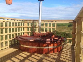 Accommodation with hot tub in Aberdeenshire, Gardenstown