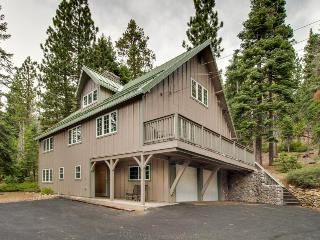 Family-friendly w/ private community beach and room for 14!, Tahoe City