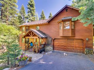 Spacious 12-guest home with hot tub, views, & fireplace!, Carnelian Bay