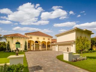 LUXURIOUS NEW WATERFRONT VILLA IN SARASOTA FLORIDA, Sarasota