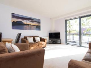 Luxury Riverside Apartment Glasgow West End