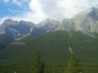 3 Bdr. Townhome in the Canadian Rockies, Canmore