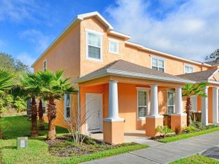 Modern Townhouse with Private Pool - Disney Area, Clermont