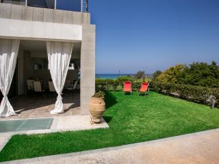 Elegant summer house in Halkidiki, Kalandra