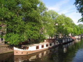 A372 Houseboat, Amsterdam