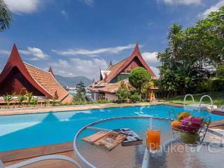Thai-style Villa in Patong with Sea View