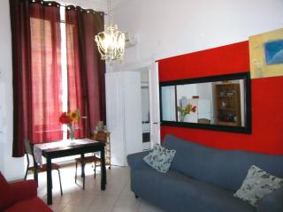 ★ CENTRAL FLAT - 5 min to Termini station ★, Rome