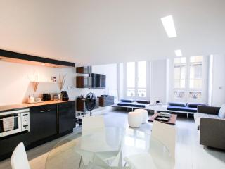 Modern Loft Apartment in the Heart of Louvre, Paris