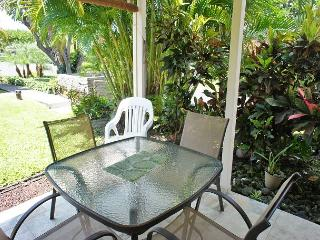 Recent Renovation- New Furniture- 2 bed 2 bath townhouse Surf and Racquet-SR 52, Kailua-Kona