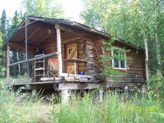 Cabin on a ridge between two small Lakes, Wasilla