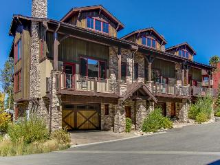 Luxury mountain retreat with four king-size master suites!, Fraser