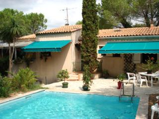 SWIMMING-POOL VILLA FOR 8 people By Hollystay, Villevieille