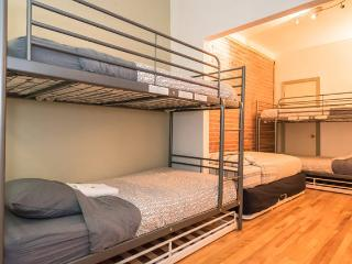 Downtown, Plateau, Rental 12 Pax, Montreal