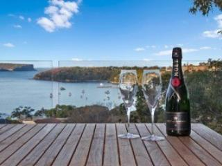 LITTL- Beautiful Mosman home with Views of Balmora, Balmoral
