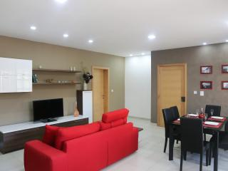New modern flat - Great location, Qawra