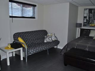 New and nice quiet studio with full kitchen, Quebec City