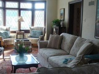 3 Bedroom Bed and Breakfast in Niagara Falls, Thorold