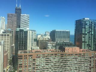 Chicago Downtown 2BR Suites in the Heart of River North, Lamont