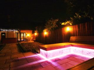 Luxurious Country Cottage with Hot Tub, Kirkcaldy