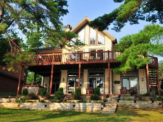 Exquisite Lakefront Home explodes with amenities!, McHenry