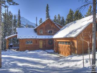 Wooded Privacy w/Hot Tub & Family Room, Ski Access, Close to Yellowstone!, Big Sky