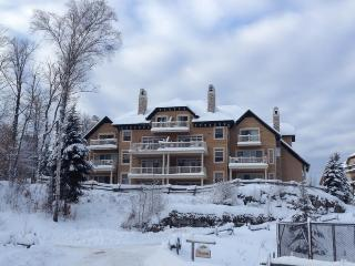 Tremblant Condo in 4 Star Resort, Mont Tremblant