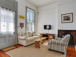 Beautiful Home in Historic Garden District. Walkin, Nouvelle-Orléans