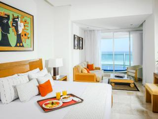 Grand Mayan Acapulco 1BR/1BA Grand Suite
