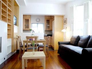 2 bedrooms beautifully furnished,Greenfield Lane, Somerset Village
