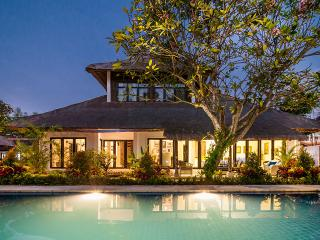 11 BDR Estate, 5* Luxury, Great Location, Perfect