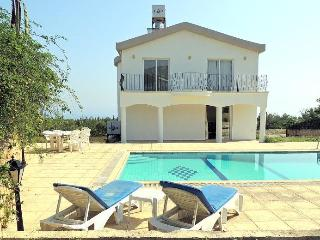 3bedroom villa-swimming pool-Cyprus Catalkoy