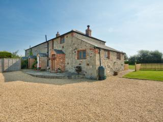 2 Ivy Cottages located in Shorwell, Isle Of Wight, Newport