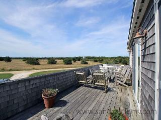 Relax and enjoy this spacious and well maintained family home, Edgartown