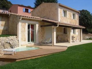 Villefranche villa with Jacuzzi in secure Domain, Villefranche-sur-Mer