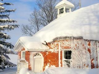 Picturesque School House Retreat, Meaford
