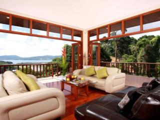 Satisfying and Relaxing Luxury Villa in Patong