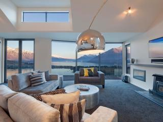 Remarkables Residence - Luxury 4 bed house, Queenstown