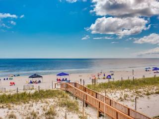 Stunning Ocean Front 2BR/2BA Accommodates 10, Gulf Shores