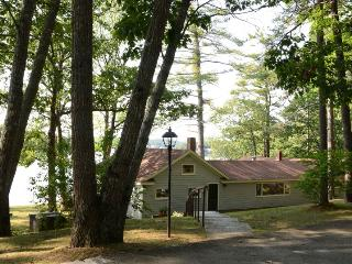 44 DEGREES NORTH | EDGECOMB MAINE | TIDAL SALT WATER RIVER | INCREDIBLE VIEWS OF WATER AND SUNSETS, Boothbay