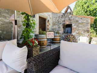 MAKE YOUR HOME IN A .. MILL, Todi