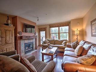 Springs Lodge 8888 - Walk to gondola and River Run Village, amazing mountain views!, Keystone